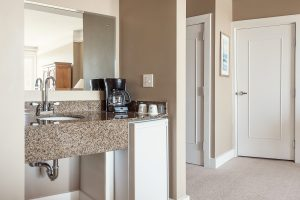 KRP_1704 Room 253 Lodge Double Kitchen