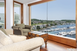 Spectacular Views from all Living Spaces
