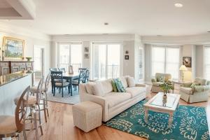 Living room/Kitchen 1